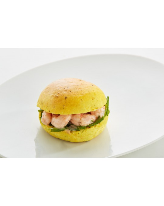 Curry brioche with prawns, lemon and cocktail crème