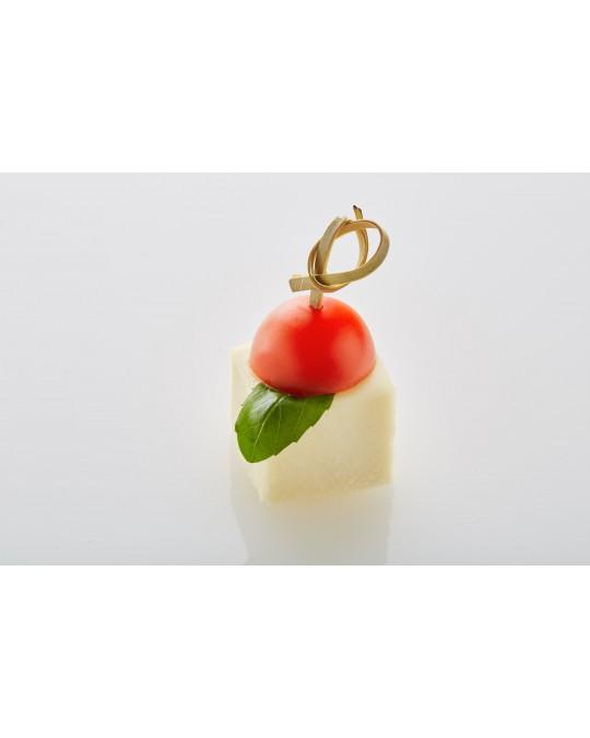 Caprese- Baby-Mozzarella mit Paradeisern und Basilikum