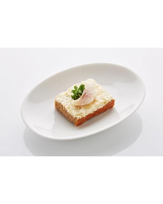 Schwarzbrot Hausfrauensalat mit Matjesfilet klein